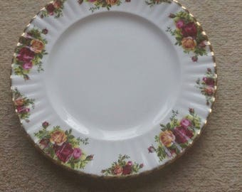 Vintage Royal Albert China Old Country Roses Dinner Plate