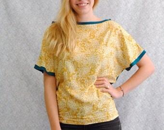 "Tshirt ""Testa"" Reversible in blue petrol jersey and yellow pattern flower viscose"