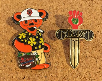 Hunter S Thompson / Gonzo (Fear And Loathing in Las Vegas) Hat Pin Set (2)