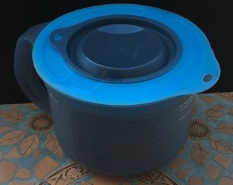 Vintage Tupperware  Mix-N-Stor 8 Cup ( 2 QT) Measuring Pitcher Blue Grey 5665 5487 Batter Bowl 64 oz 2000 ml 2 Litre
