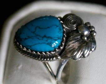 ON SALE Fascinating Turquoise Silver Ring