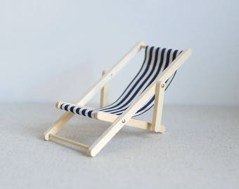Dollhouse miniature Lounge Chair/ Beach Chair