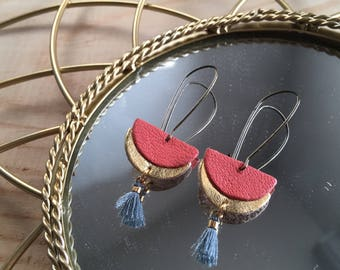 Earrings double half moon gold and coral