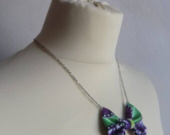Chain knot necklace purple white green wax fabric