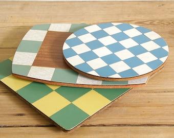 Vintage trivet pot coasters formica.Mid century modern.Retro kitchen decor melamine.Checkered retro kitchen decor.50s kitchen
