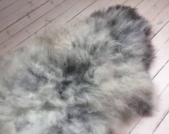 Decorative Sheepskin rug supersoft rugged throw from Norwegian norse breed medium locke length sheep skin grey 18033