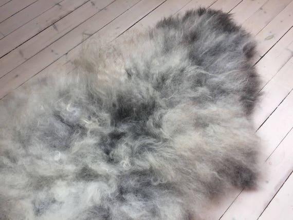 Decorative Sheepskin rug supersoft rugged throw from Norwegian norse breed medium locke length sheep skin grey 18033
