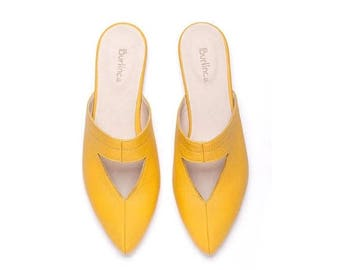 SALE Yellow mules, yellow shoes, women shoes, women yellow shoes, yellow clogs, handmade leather shoes by Burlinca. Lia model.