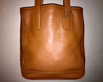 VINTAGE COACH HAMPTONS Leather Tote British Tan M0S-7776