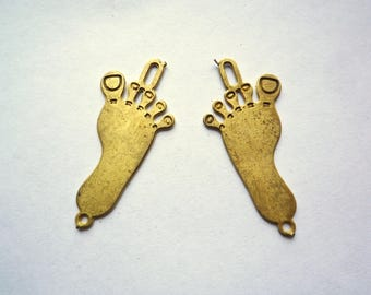 Raw brass feet charms, 8 unfinished double sided etched pendants
