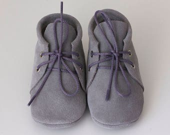 Handmade suede grey baby moccasins/Newborn, infant, toddler soft shoes