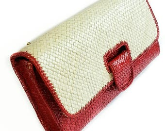 New ! Wicker rattan clutch red color, red wicker purse, red clutch, rattan clutch, handwoven clutch, woven purse, wicker clutch, clutch idea
