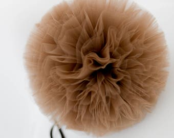 Brown / mocha tulle pom poms / wedding party decorations / birthday party  pompoms / nursery decor / weddings / neutral / kids room