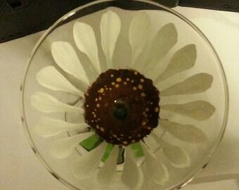Martini glass, hand painted, daisy
