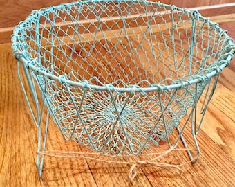 Vintage Wire Basket, Wire Hanging Mesh Basket, Vintage Wire Fruit Basket, Vintage Egg Basket, Wire Vegetable Basket, 1960's Wire Basket Mesh
