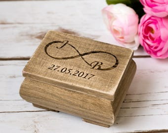 Rustic Wedding Ring Box Bearer Infinity Personalizied infinity ring holder Wedding Ring Box Holder