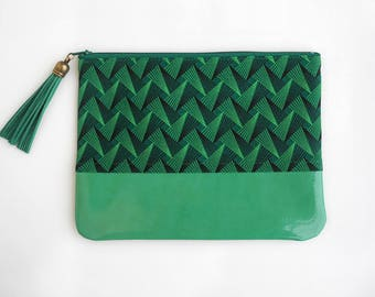 Shweshwe Pouch, Green Phone Pouch, Clutch, Zipper Pouch, South African Print, Handmade Pouch, Bag Organizer, Gifts for Her, Zippered Clutch