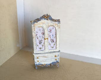 1:48 French Cabinet