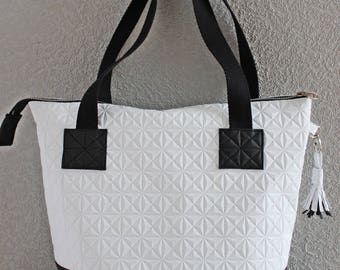 """Bag/tote bag/Tote """"Betty"""" in black and white imitation leather and metal zip."""