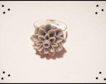 Resin cabochon Adjustable ring ♥ - ♥ grey flower