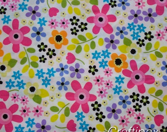 Cotton Fabric - Rose and Hubble - White Flower Power - Quilting, Sewing, Patchwork - UK Seller - Fat Quarter, Half Metre, Metre