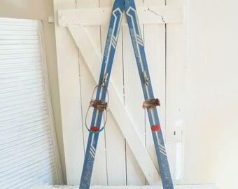 Vintage ski old snowshoes blue Germina Cadet wood ski