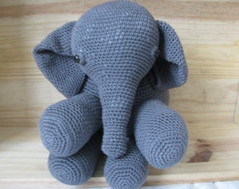 Gray elephant blanket handmade in 100% cotton crochet