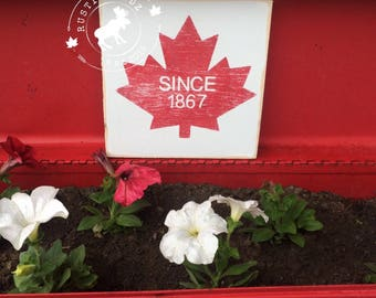 Canadian Maple Leaf Sign // Canadian Maple Leaf // Canada Day decor // Canada Decor // Canadian Decor