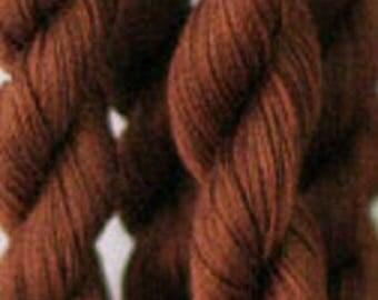 Maestoso 4012 - Aurifil - dark Tan - skein