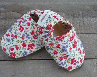 Floral baby shoes, red floral, purple floral, yellow floral, baby girl shoes, baby girl baby shower gift, summer baby shoes, baby moccasins