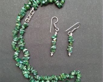"""Green Jade chip bead gemstone beaded necklace. chip beads necklace and earring. Green Jade chips jewellery. 18"""" necklace"""