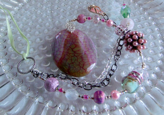 Agate dragon vein sun catcher - pink hanging stone- berry rose- sparkly sandal charm -  window -  student  -  dorm room - bridesmaid gift -