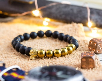 8mm - Matte black onyx beaded stretchy bracelet with gold skull, black bead bracelet, gemstone mens bracelet, womens bracelet