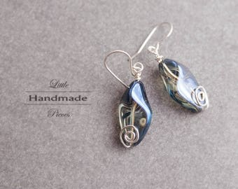 Earrings hanging silver wire wrapped beaten glass nugget blue grey costume jewelery