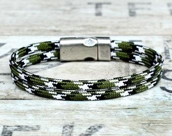 Mens braided bracelet, mens rope bracelet, mens paracord bracelet, mens wrap bracelet, army bracelet, green rope bracelet, survival bracelet
