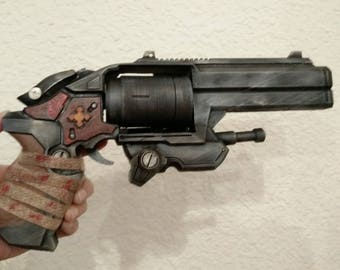 3D printed Boltok replica from Gears of War
