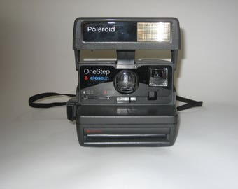 Vintage Polaroid Instant Camera-Fully Tested with Film! One Step Close Up 600