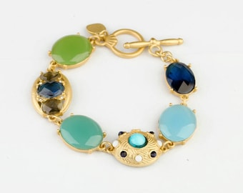Elegant and charming Vintage Style bracelet
