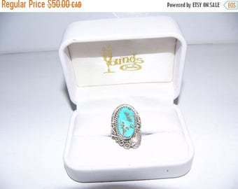 ON SALE Vintage Sterling Silver and Turquoise Stone Ring