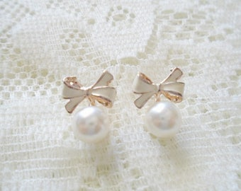 Bow & Pearl stud earring, Pearl earring, Available in two colors: White, Black