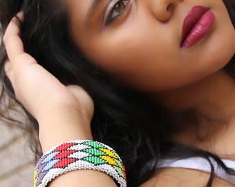 Clip-on African Zulu Beaded Bracelet- White