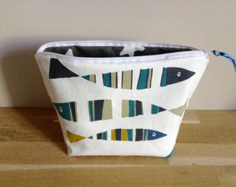 Toiletry bag in coated cotton and cotton, fish - white and gray