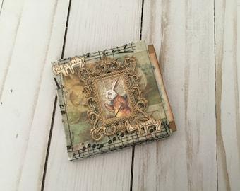 "Mini Book 3""x3""- Hippiti Hoppity"