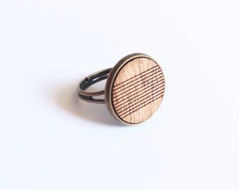 "Ring ""Ema"" mahogany wood - stripes - large format patterns"