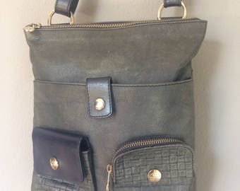 vintage, Italian leather, made in Italy, faded denim blue leather, cross body bag, with adjustable strap, front pockets, the trend bag,