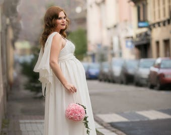 Married women pregnant, unique dress... Beading detail