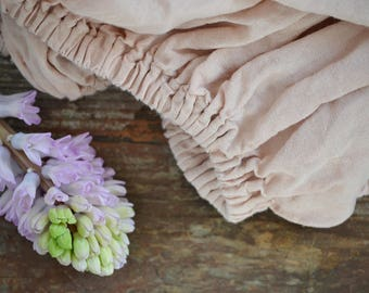 Fitted natural linen bed sheet. Dusty pink. Stonewashed linen sheet. Luxury softened linen.
