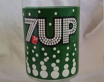 Vintage 7 Up glass