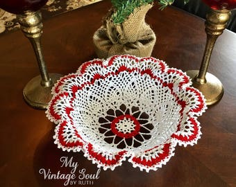 Christmas Doily Bowl - Crochet Flower Doily - Lace Bowl - Country Rustic Decor - Housewarming Gift - Doily Basket - Farmhouse Table Decor