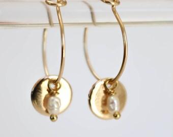 Boucles d'oreilles Lola dorées à l'or fin, perles d'eau douce